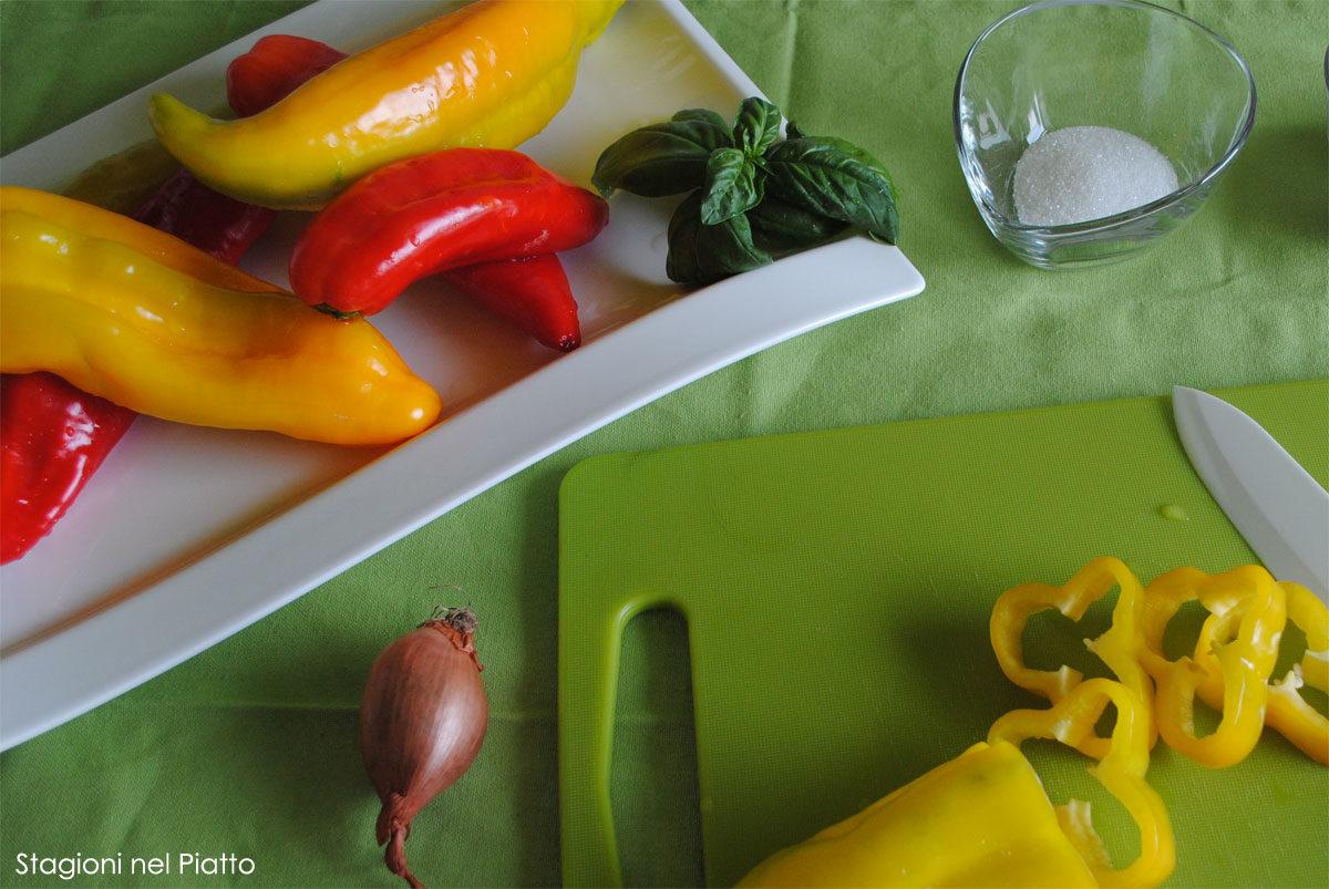Ingredienti peperoni in agrodolce leggera