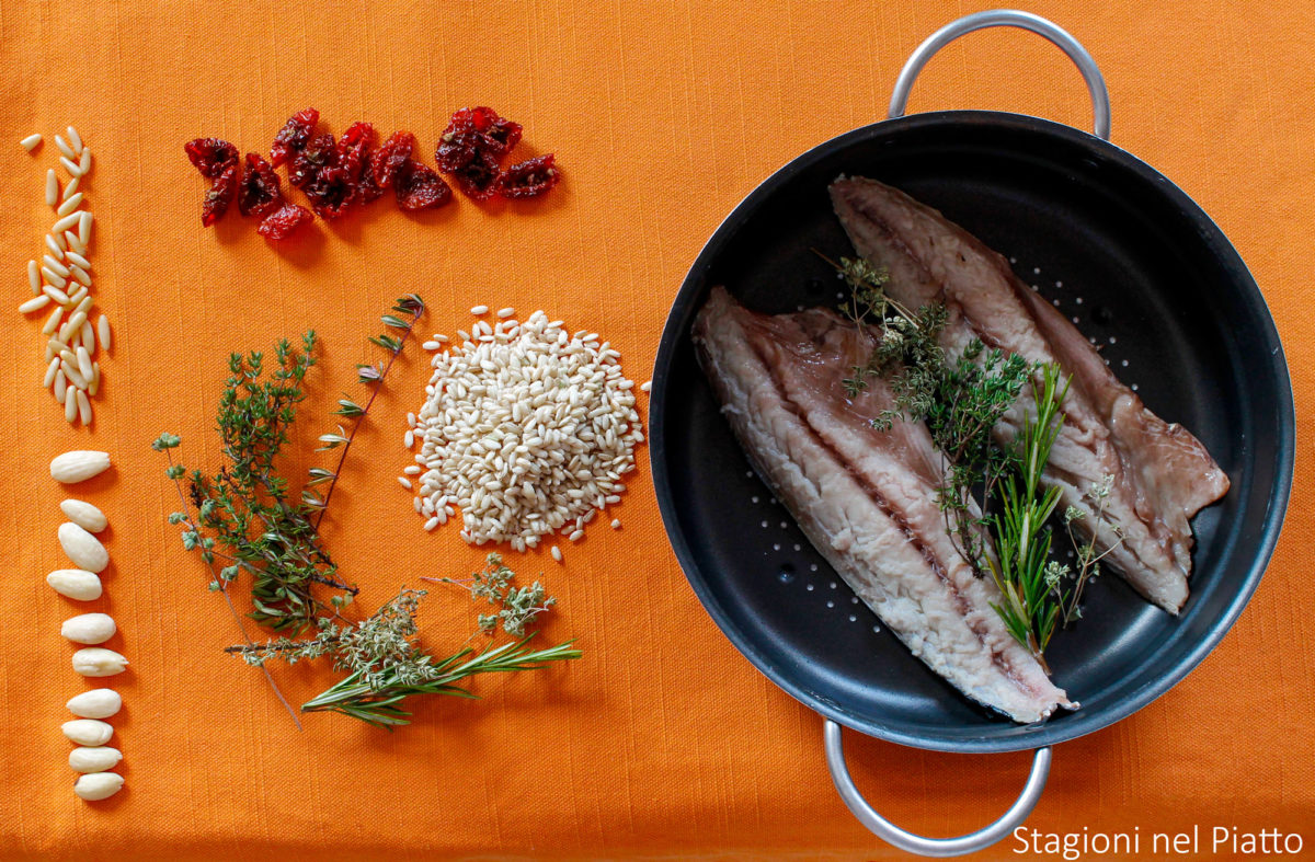 ingredienti riso integrale con pomodori secchi
