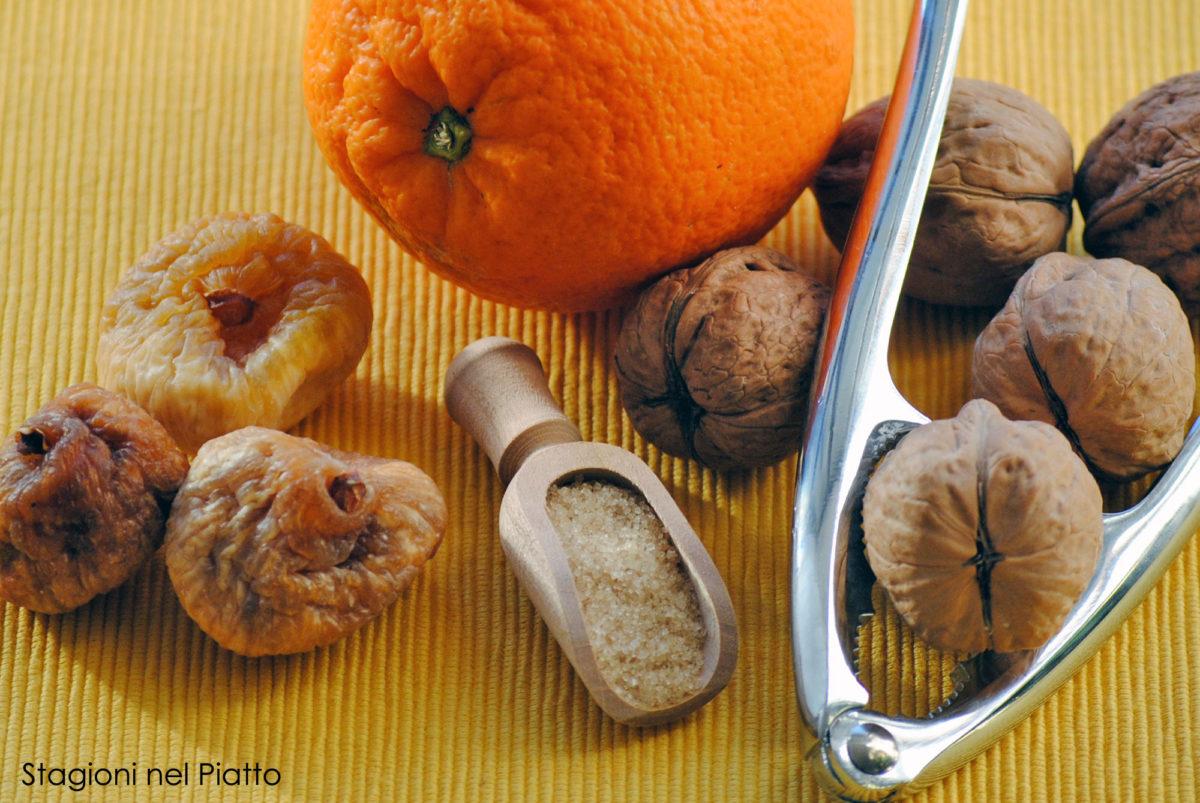 Ingredienti crocette di fichi secchi della nonna