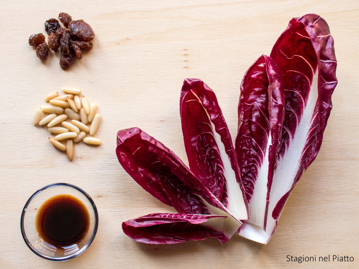 ingredienti radicchio con uvetta e pinoli