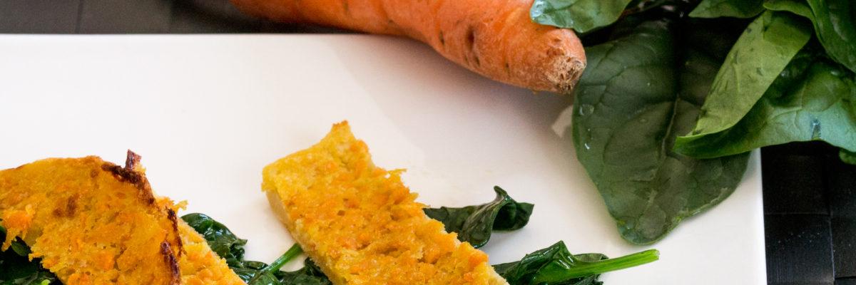 Farinata alle carote con spinaci in padella
