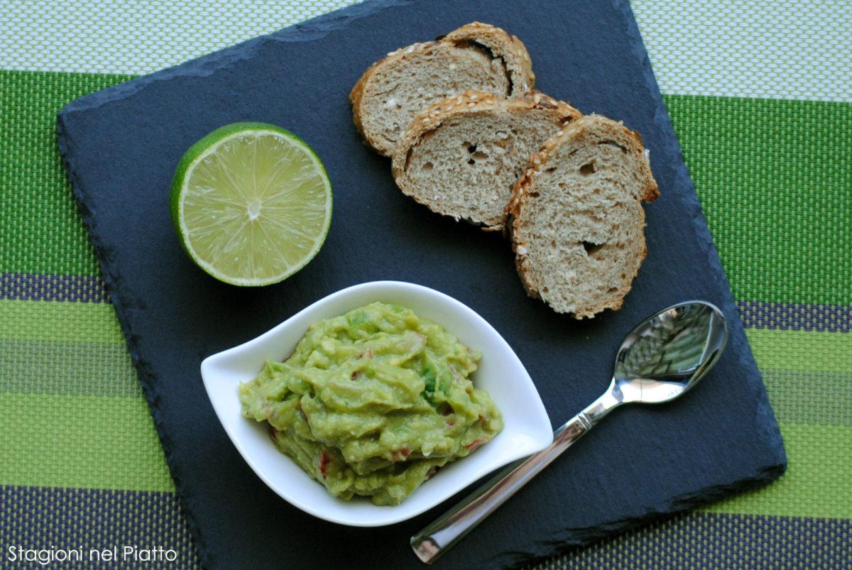 Crema di avocado peperone e scalogno
