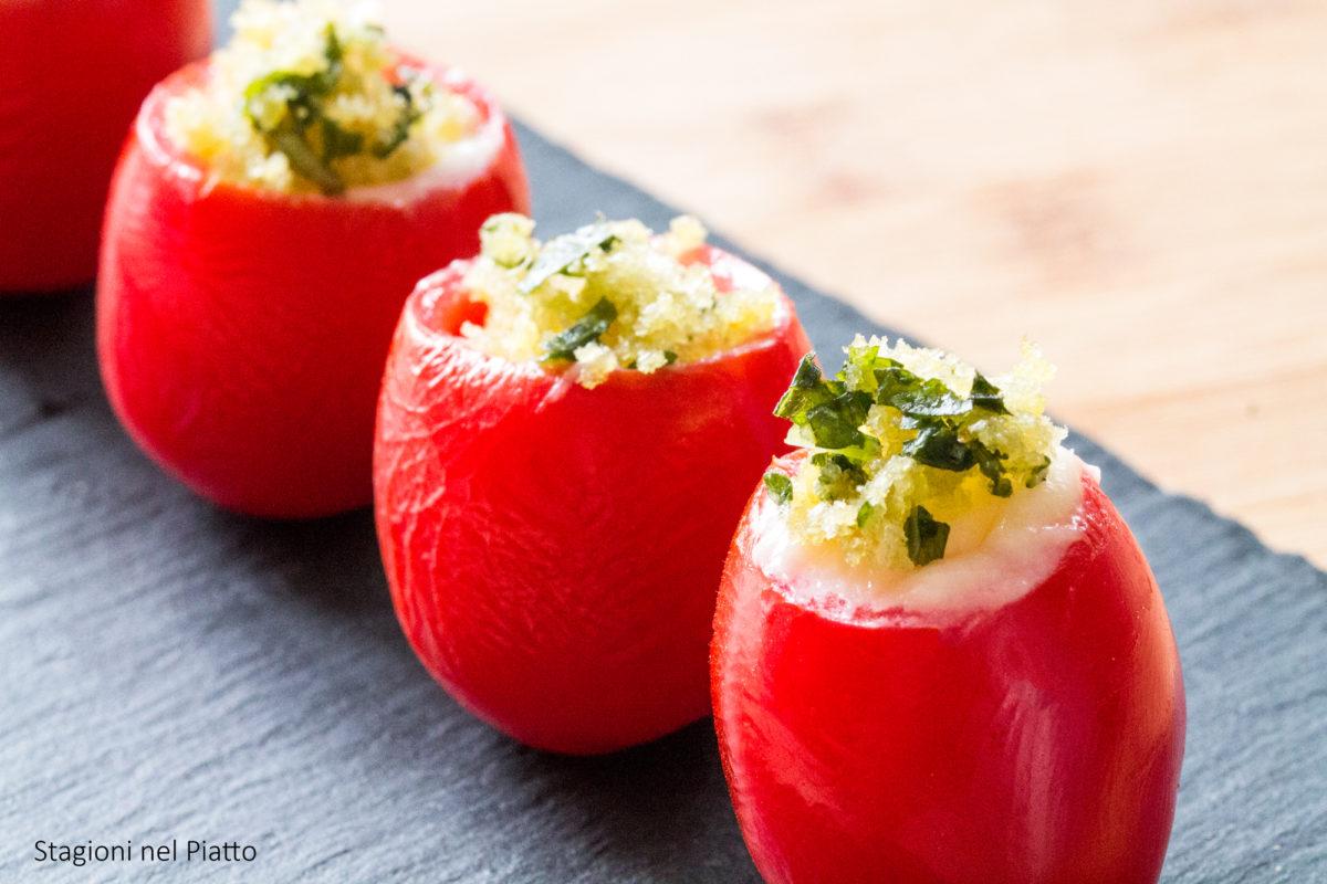 pomodorini ripieni di crescenza