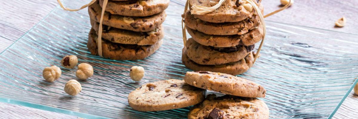 Biscotti con cioccolato e nocciole