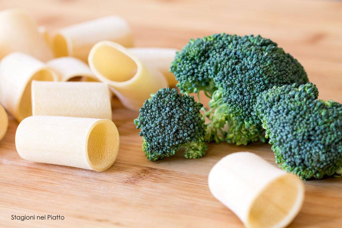 Paccheri ripieni di crema di broccoli