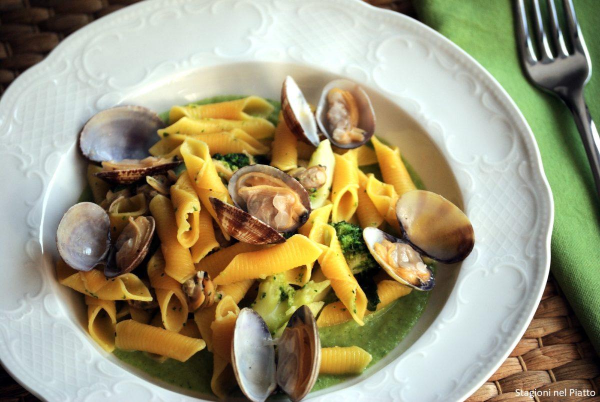 Pasta broccoli e vongole veraci