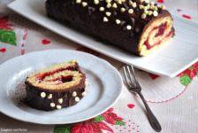 Tronchetto farcito di marmellata di lamponi e ganache al cioccolato