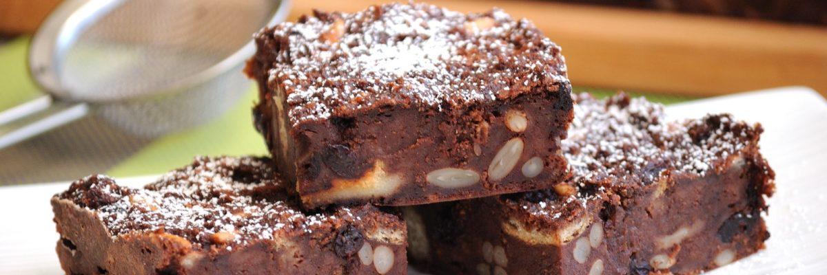 Torta di pane al cacao e amaretti