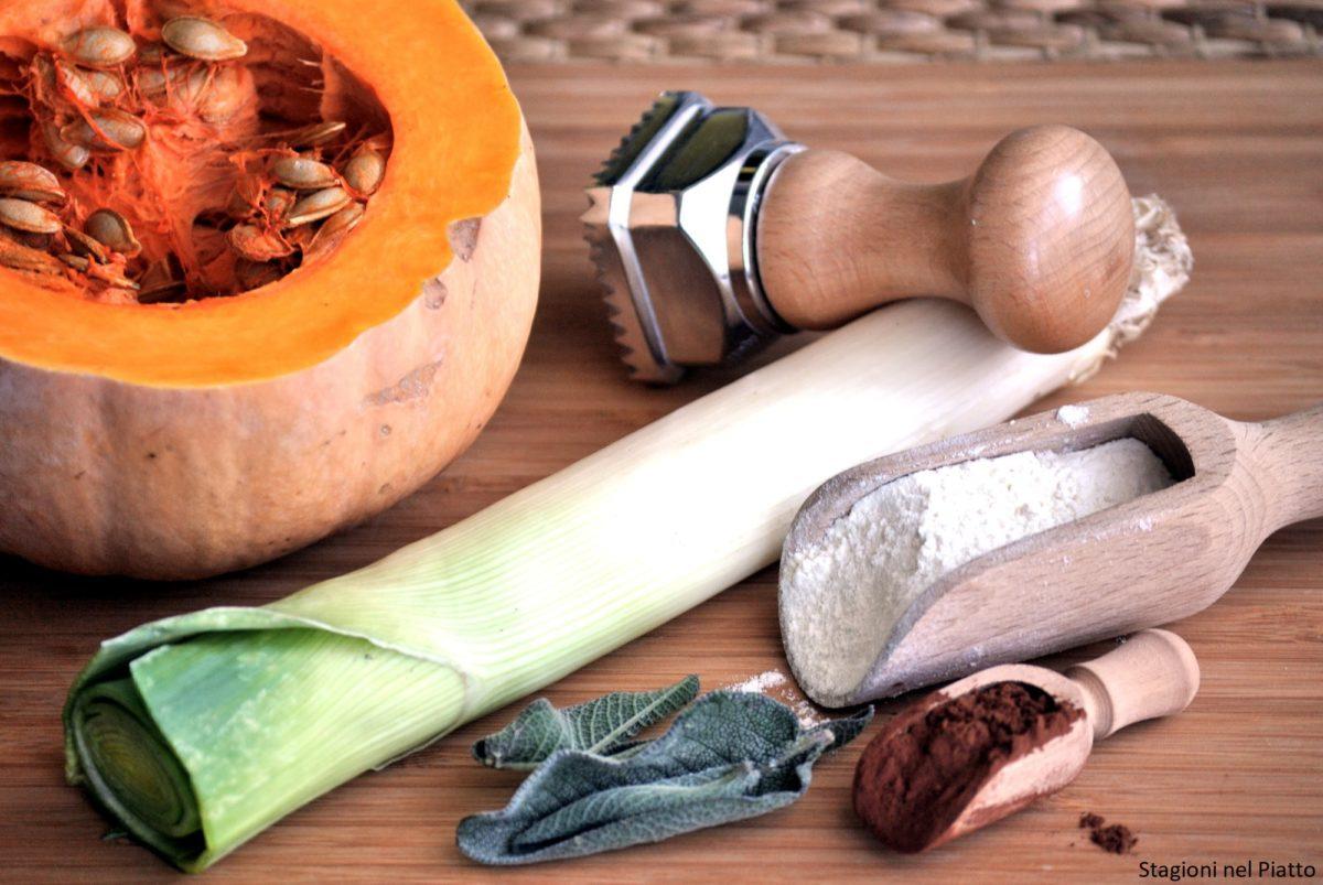 Ingredienti ravioli al cacao con zucca e porri