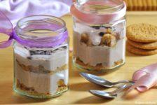 Dessert alle ciliegie e yogurt