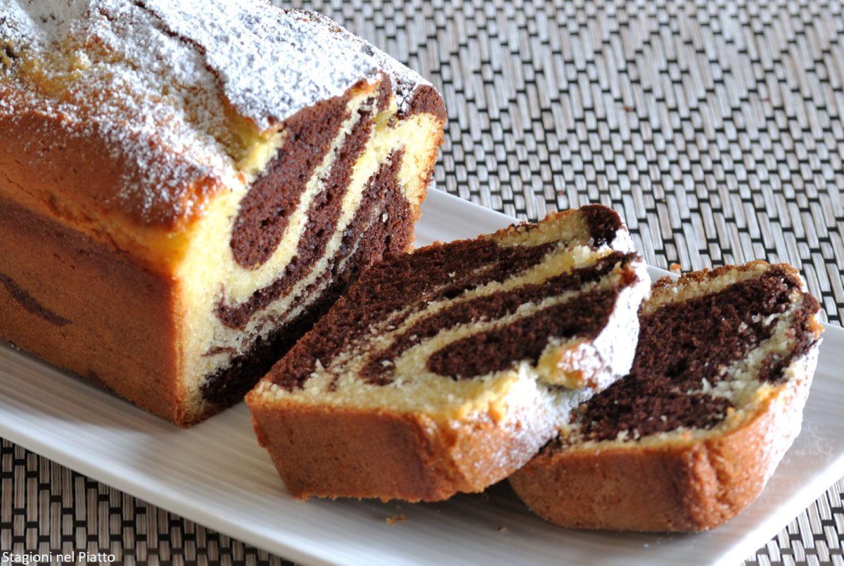 Plumcake variegato al cioccolato bianco e cacao