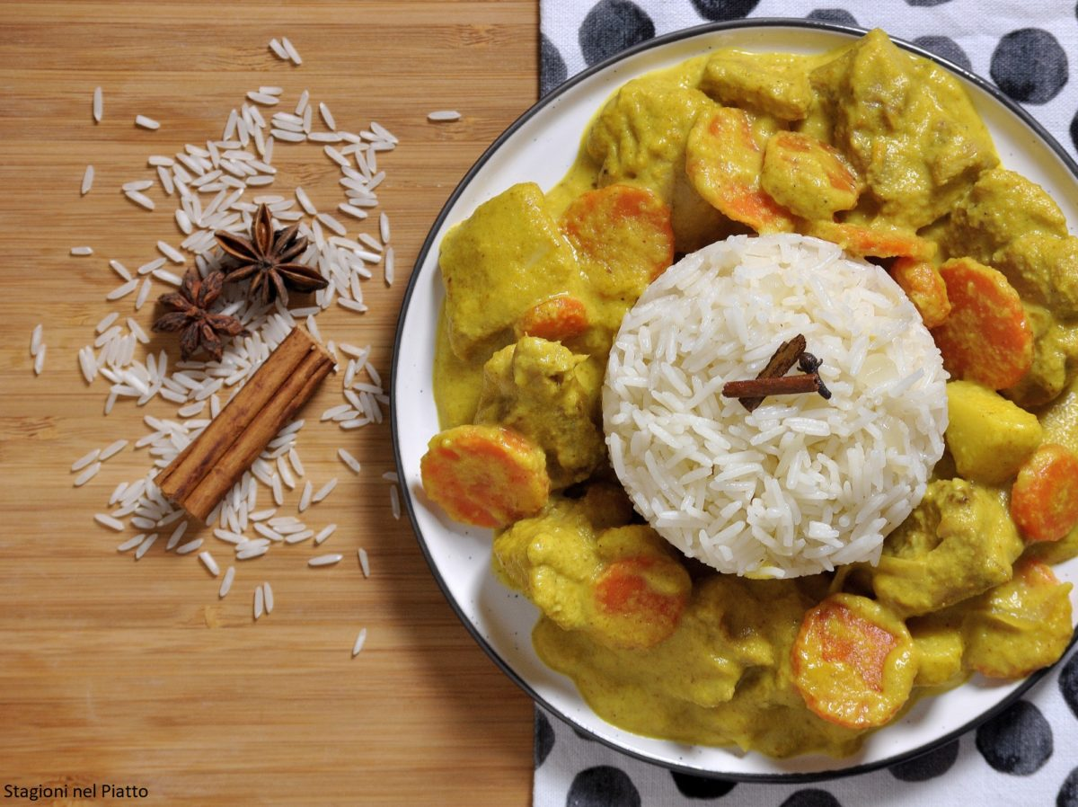 Pollo al curry con latte di cocco