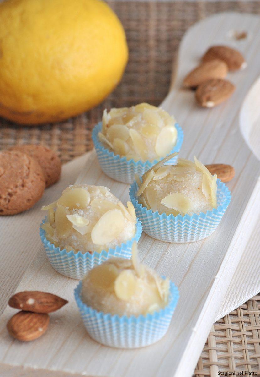 Dolcetti di ricotta alle mandorle e limone