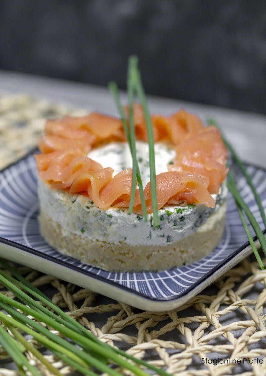 cheesecake salata al salmone stagioni nel piatto