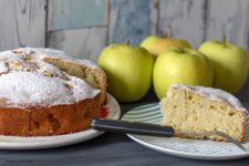 torta mele stagioni nel piatto