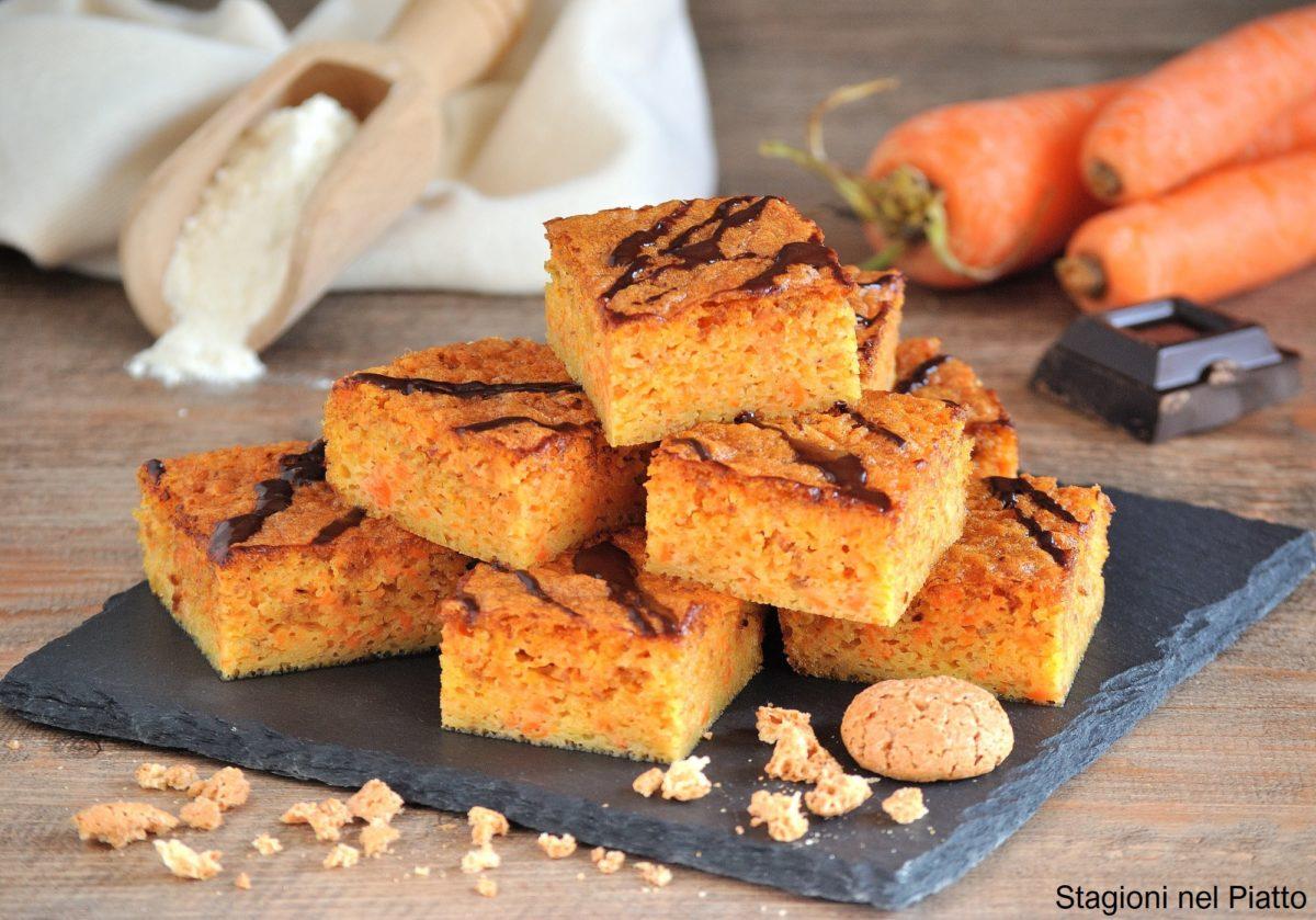 torta morbida di carote e amaretti