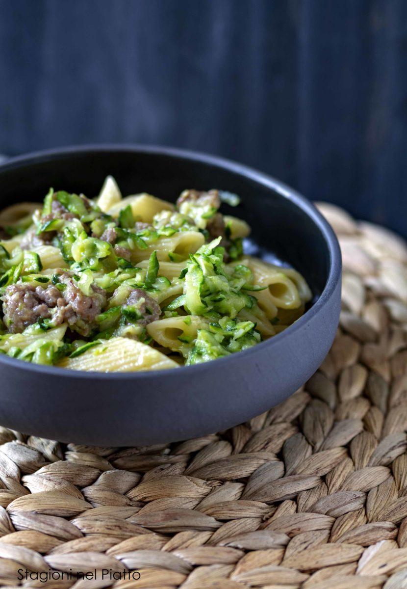 Pasta zucchine e salsiccia