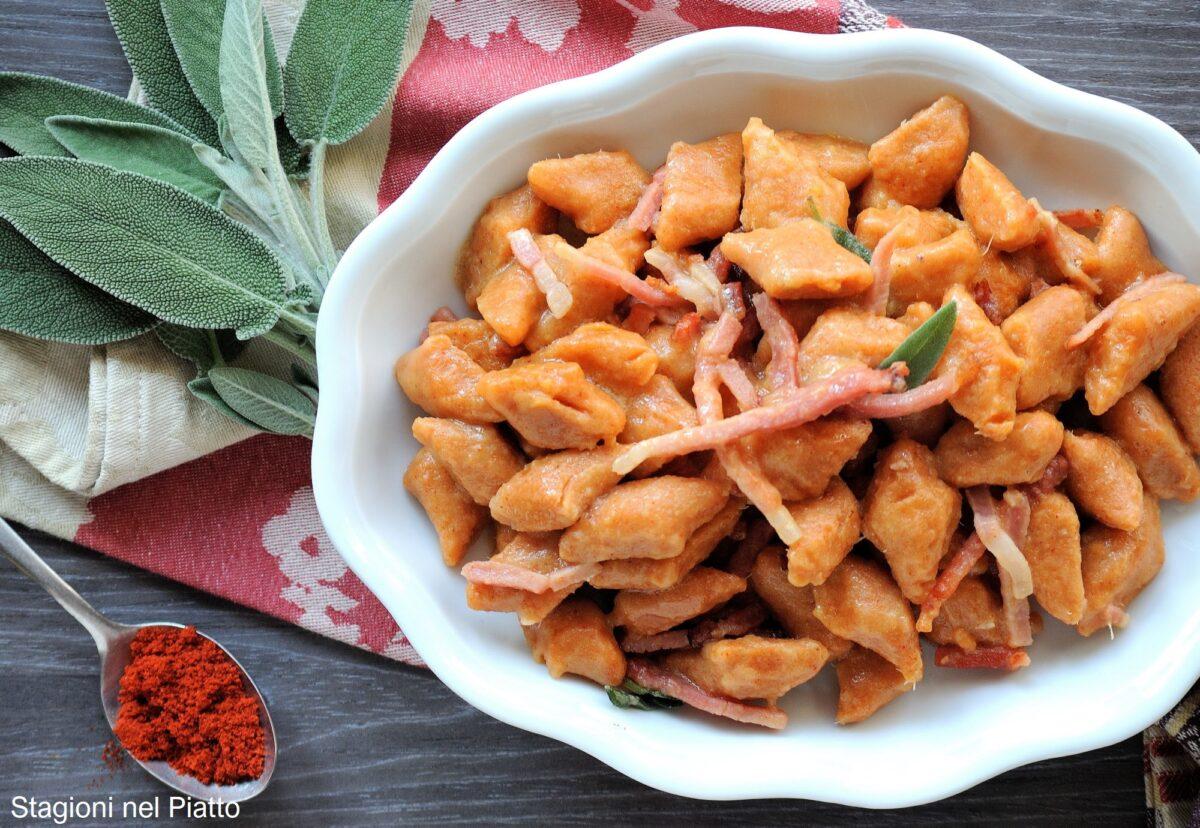 gnocchi di patate dolci alla paprika affumicata e speck