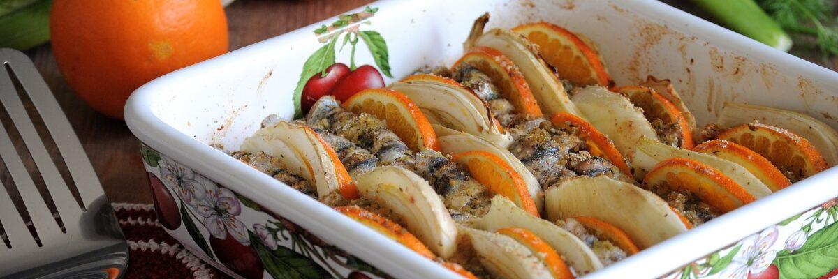 Involtini di alici al forno con finocchi e arance