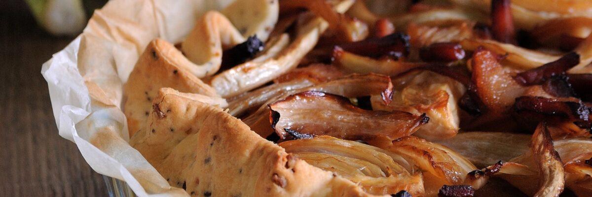 Torta salata con finocchi, pere e speck