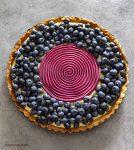 Crostata moderna ai frutti di bosco